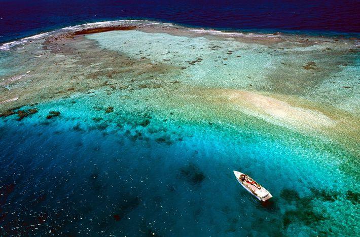 Rangiroa es el segundo atolón más grande del mundo; en este podría caber toda la isla ...