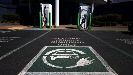 ¿Estamos más cerca de la era de los automóviles eléctricos?