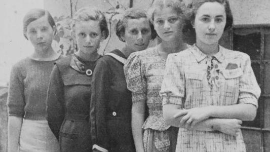 El primer transporte oficial a Auschwitz llevó a 999 mujeres jóvenes. Esta es su historia