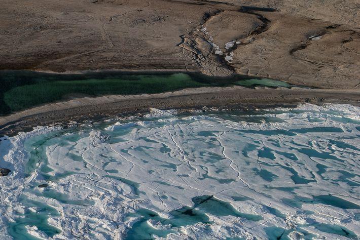 Paisaje de la costa norte de la isla de Baffin, donde se encuentra Lancaster Sound Conservation ...