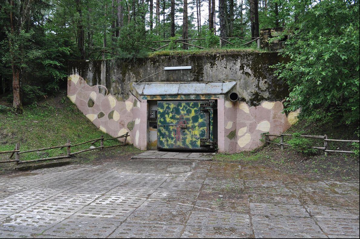 Un búnker militar en Podborsko. Durante la Guerra Fría, la mayoría de los ciudadanos polacos no ...