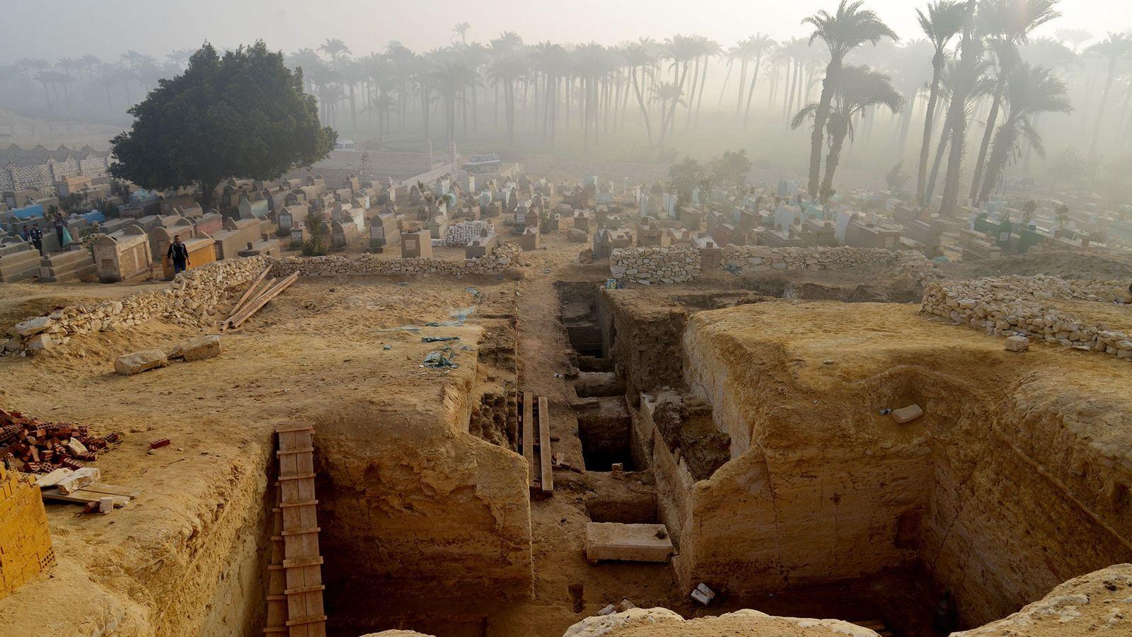 La gran colección de sepulturas antiguas de Lisht en Egipto podría ofrecer conocimientos sobre la vida ...