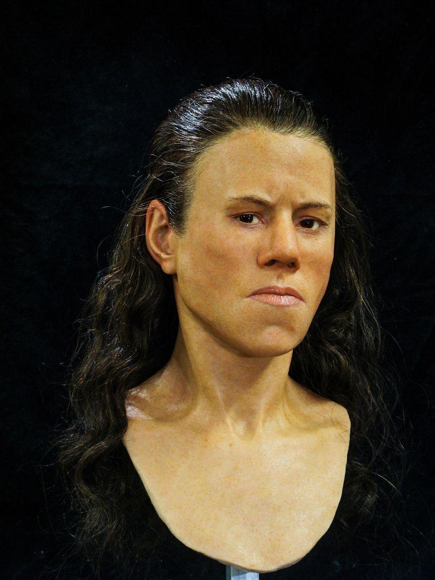 """Con el transcurso de los milenios, las facciones del rostro de los seres humanos """"se afinaron"""" ..."""