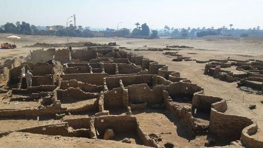 01-luxor-egypt-golden-city