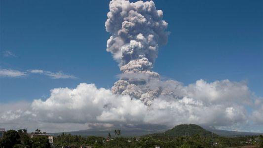Por qué la erupción de un volcán en Filipinas puede ser potencialmente mortal