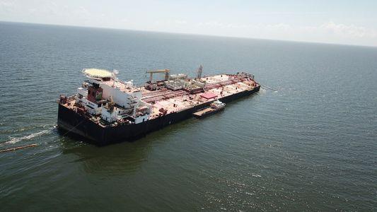 Venezuela: Buque petrolero varado podría causar un potencial desastre ambiental