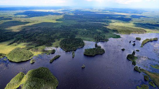 Una vista aérea del río Vologda en la región de Vologda, Rusia. Rusia es el principal ...