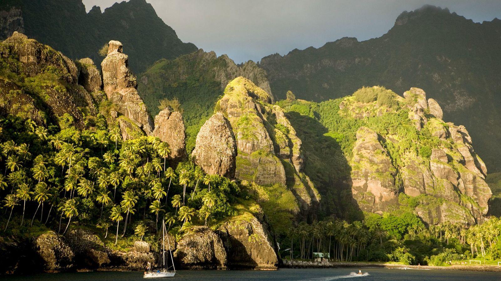 Un reciente estudio de ADN sugiere que la isla de Fatu Hiva en las Marquesas sería ...