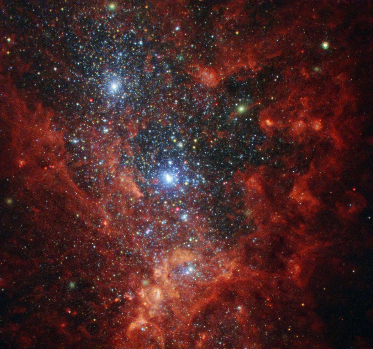 Esta imagen del Telescopio Espacial Hubble de la NASA/ESA revela el interior iridiscente de una de ...