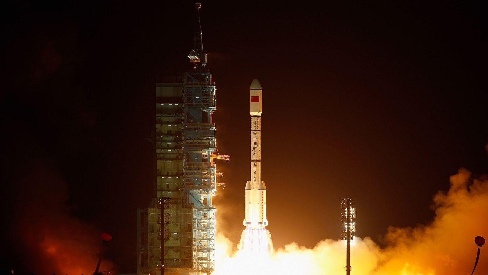 Un cohete que transportaba al Tiangong-1 despegó del Centro de Lanzamiento de Satélites Jiuquan el 29 ...