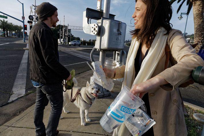Kathryn Kellogg es una bloguera de basura cero que comparte sus experiencias sobre cómo intentar utilizar ...
