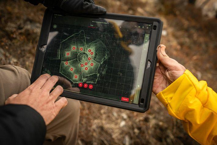 En su excursión por el campamento base del Everest, el equipo de mapeo perfeccionó los métodos ...