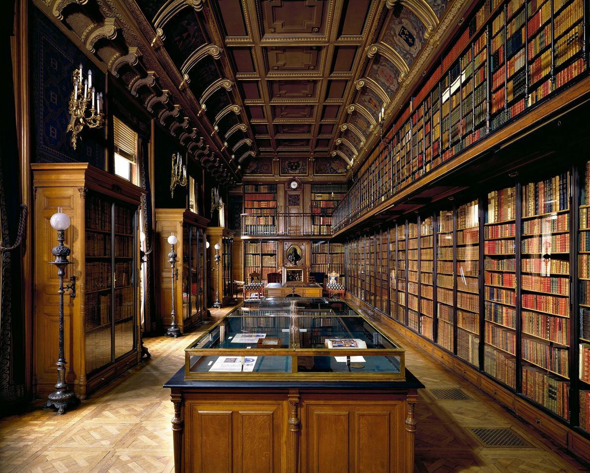 Library of the Duke d'Aumale, Chantilly, Francia