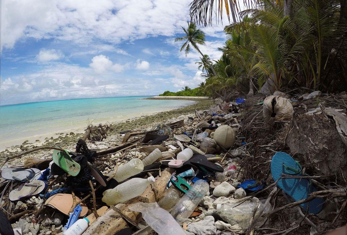 Millones de fragmentos de plástico no pueden ser recolectados en la limpieza de las playas