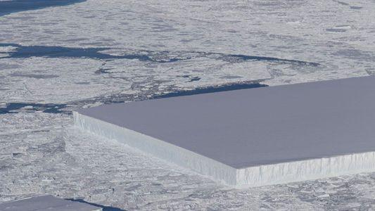 ¿Por qué este iceberg tiene una forma rectangular casi perfecta?
