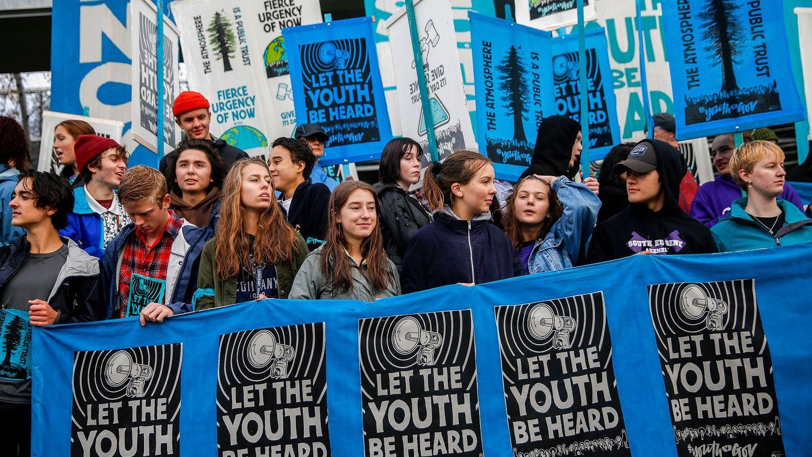 """Manifestación en apoyo a los demandantes de la demanda por cambio climático """"Juliana contra los Estados ..."""