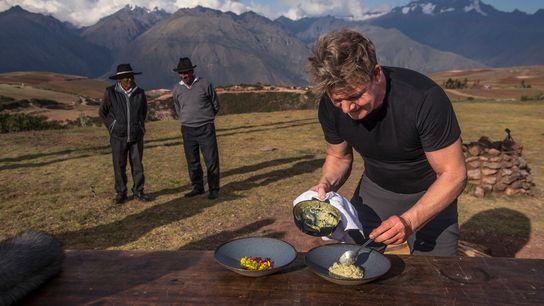 El cocinero Godon Ramsay encuentra inspiración en los ingredientes indígenas del Valle Sagrado de Perú.