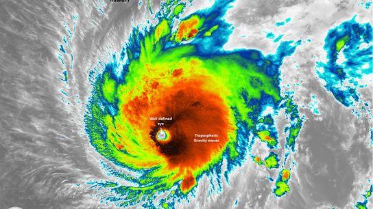 Imagen satelital del huracán Lane.