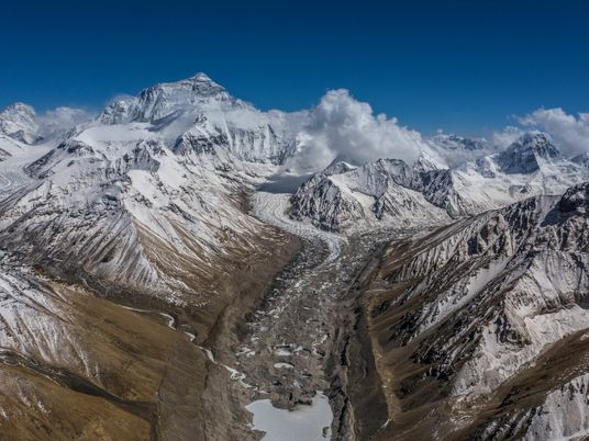 China y Nepal anunciaron la nueva altura del Everest