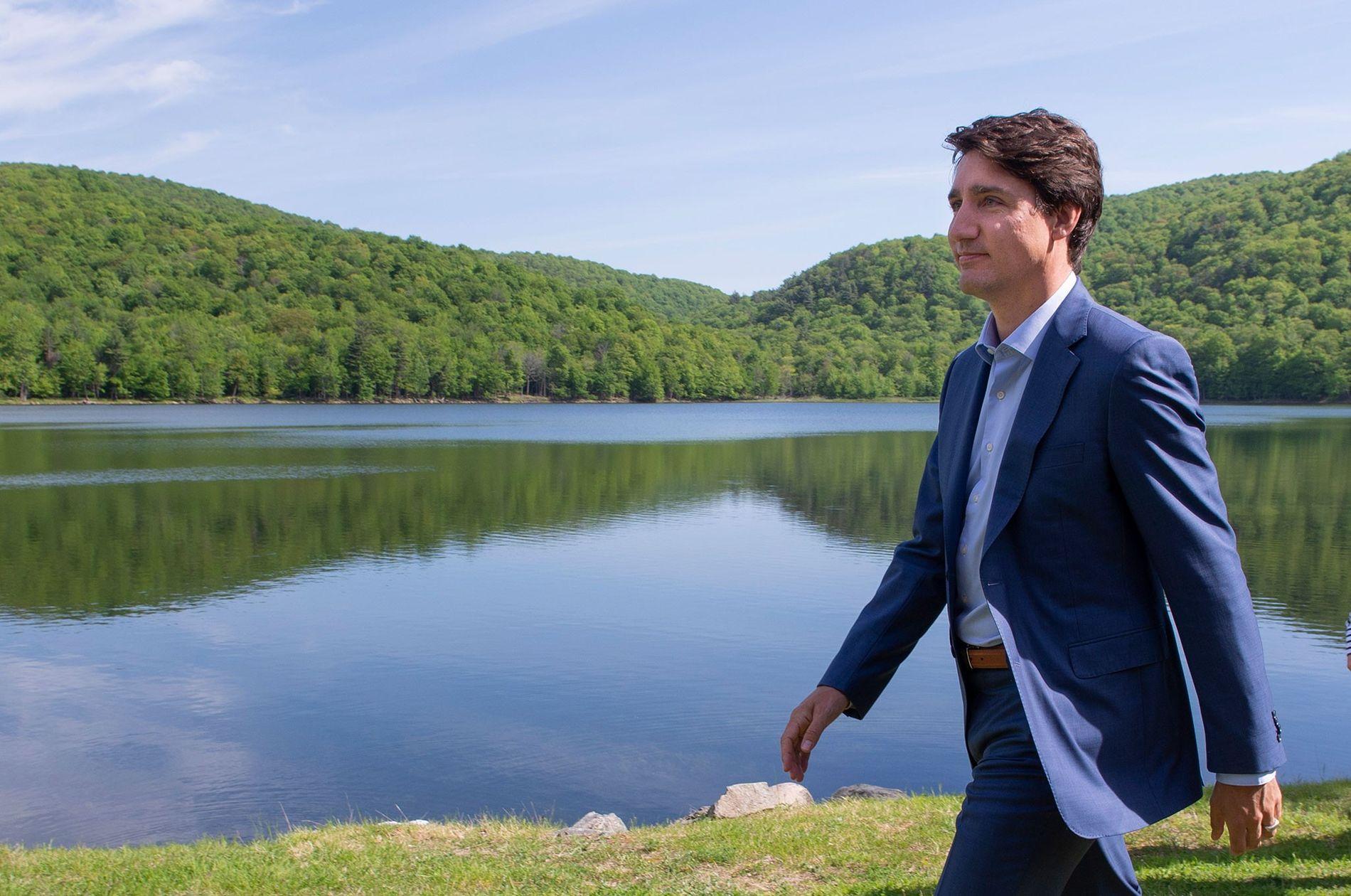 El primer ministro canadiense, Justin Trudeau, después de una conferencia de prensa donde anunció la intención ...