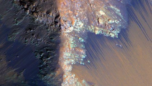 La NASA encontró agua en estado líquido en Marte