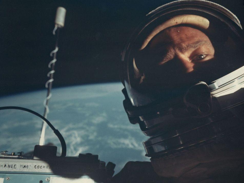 """A Buzz Aldrin no le gusta que lo llamen """"el segundo hombre en caminar sobre la ..."""