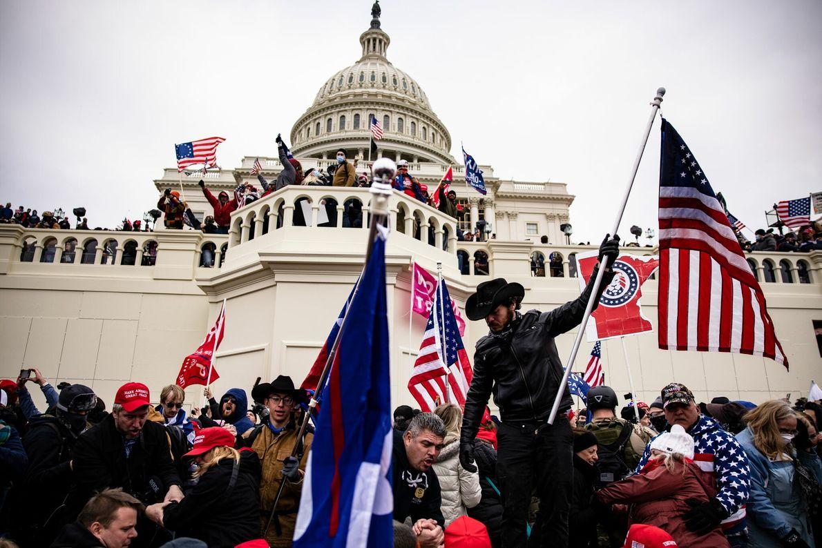 La tarde de miércoles, un grupo de seguidores del presidente Donald Trump asaltó el Capitolio estadounidense ...