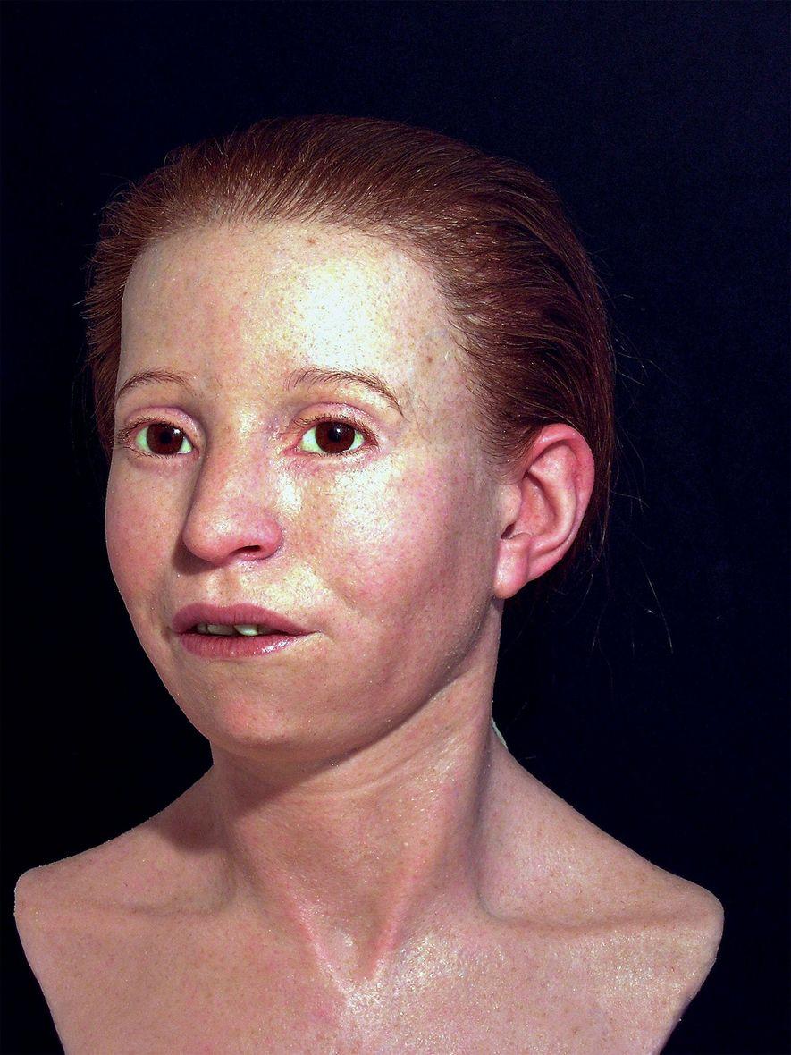 En 2010, el equipo también reconstruyó el rostro de Myrtis, de 11 años, que murió como ...