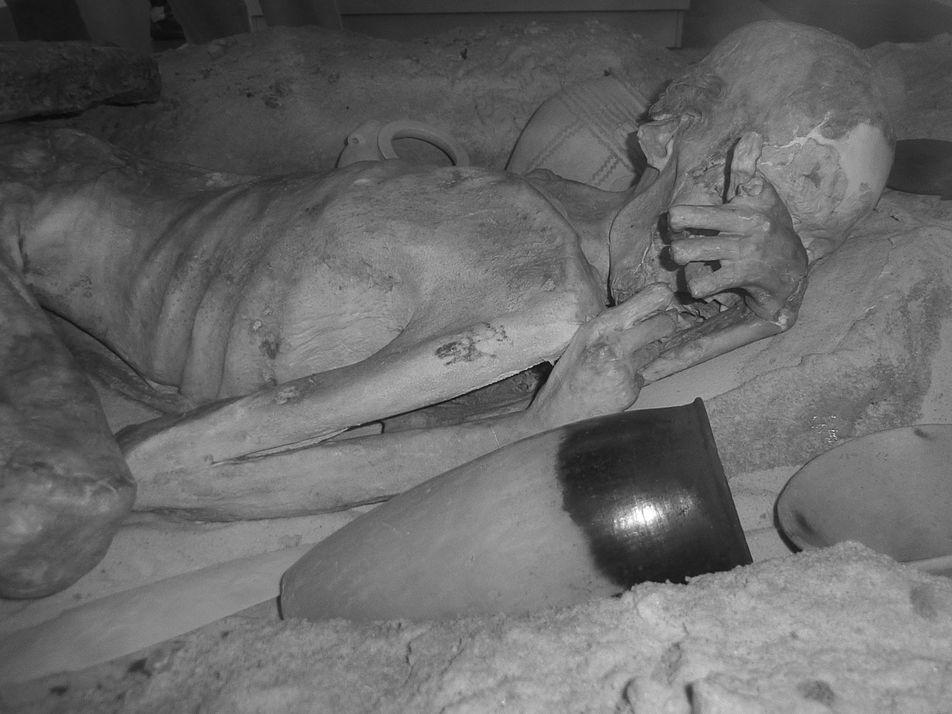 Encuentran en momias los tatuajes egipcios más antiguos