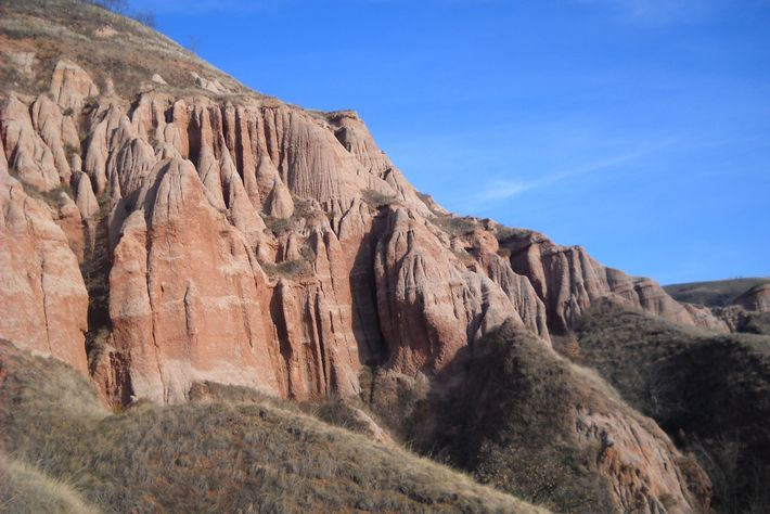 A view of the Red Cliffs dig site near Sebeș in Romania.