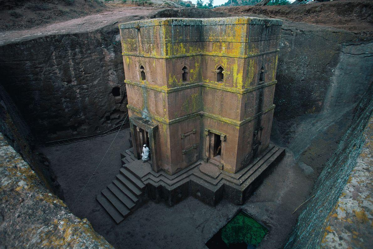 Lalibela, Etiopía Lalibela, declarado Patrimonio de la Humanidad, es famoso por sus impresionantes iglesias, excavadas en la ...