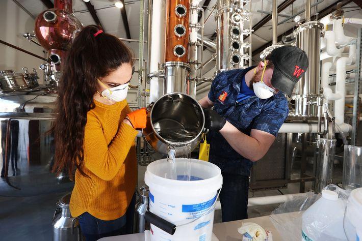 El desinfectante para manos casero puede ser efectivo siempre que las instalaciones esterilicen sus equipos y ...