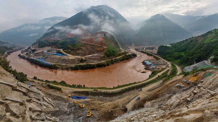 En el año 2012, cuando tomaron esta fotografía, la construcción de la Represa Miaowei ya estaba ...