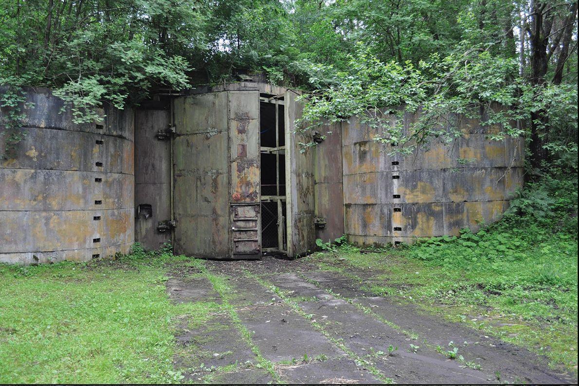 Un búnker en Podborsko. La investigación arqueológica ha revelado que las mujeres y los niños vivían ...