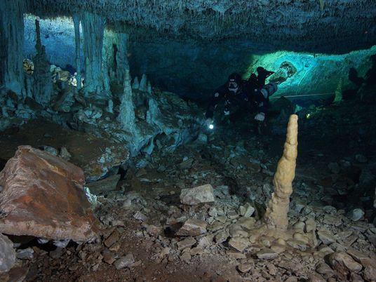 Una mina de 11.000 años de antigüedad es descubierta en una cueva subacuática en México