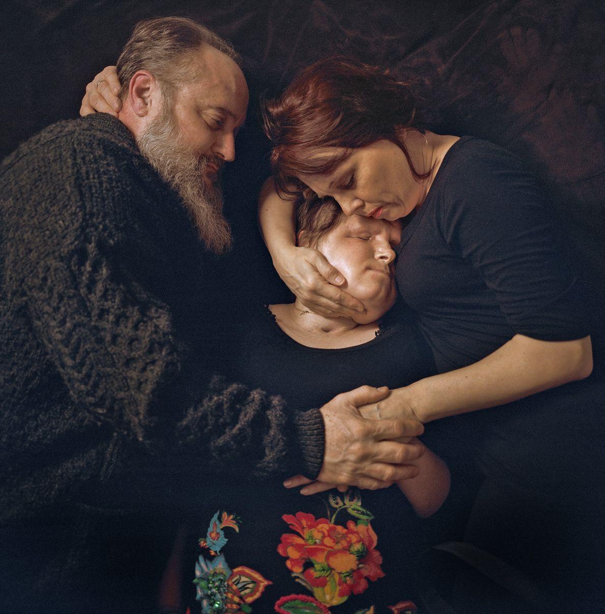 Decididos a ayudar a su hija a vivir una vida normal y feliz, Robb y Alesia ...