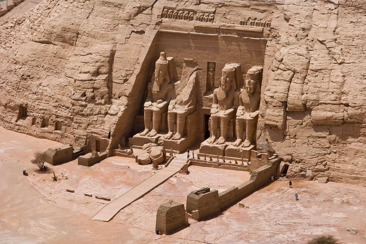 Abu Simbel, Egipto El gigantesco Templo de Ramsés II de 3200 años fue excavado a partir del ...