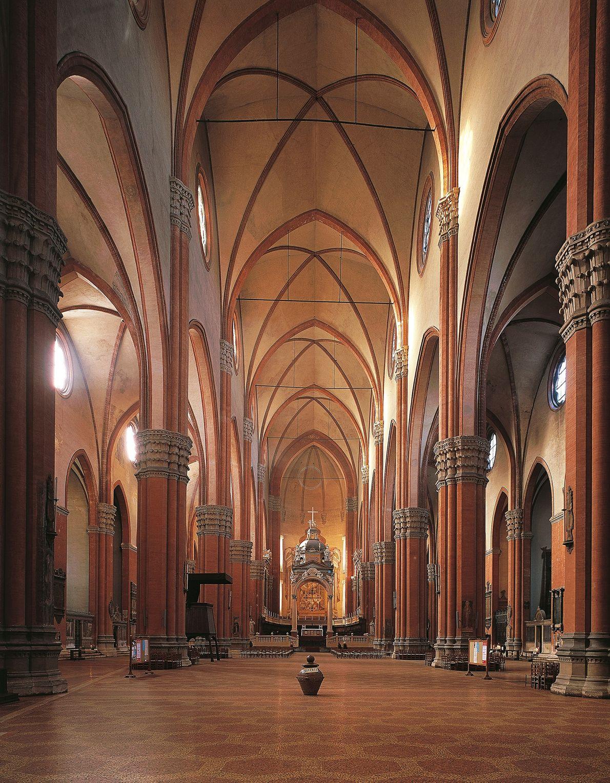 En la Basílica de San Petronio en Bolonia, Italia, el astrónomo Egnazio Danti en 1575 construyó ...