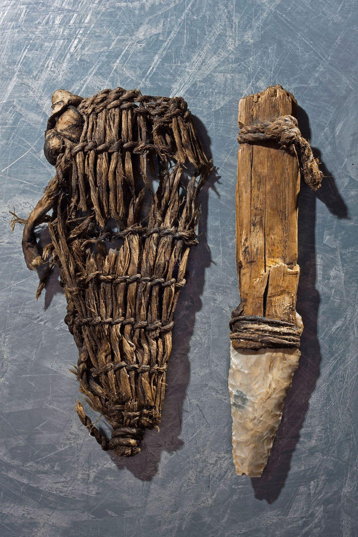 La daga del hombre de hielo presentaba una hoja de sílex y una vaina de hierba.