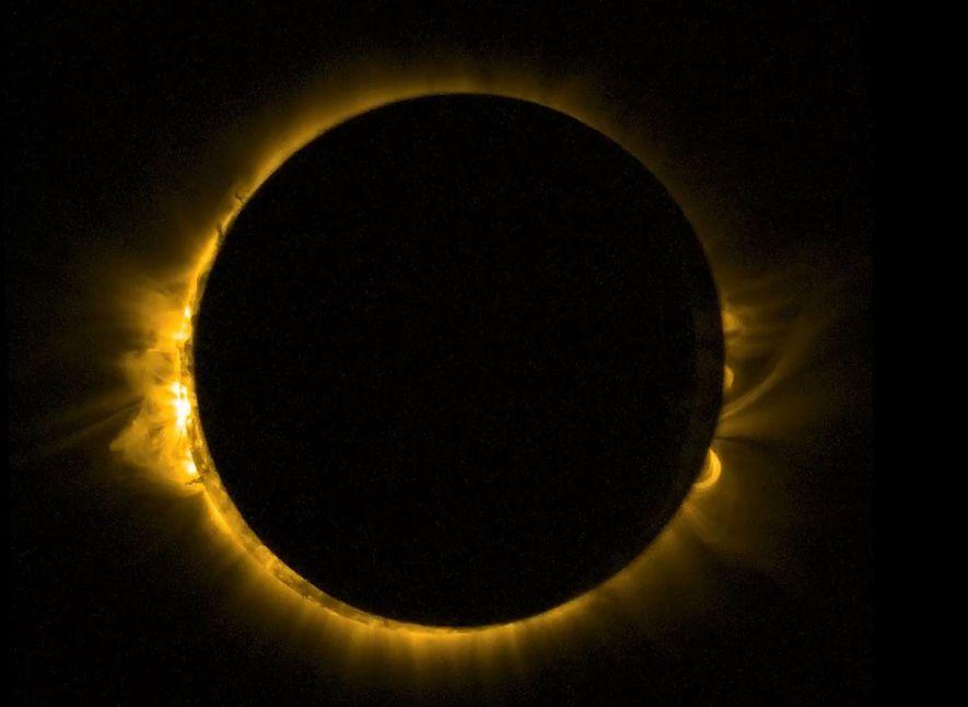 Una nave espacial europea tomó esta imagen de un eclipse solar visto desde la órbita en ...
