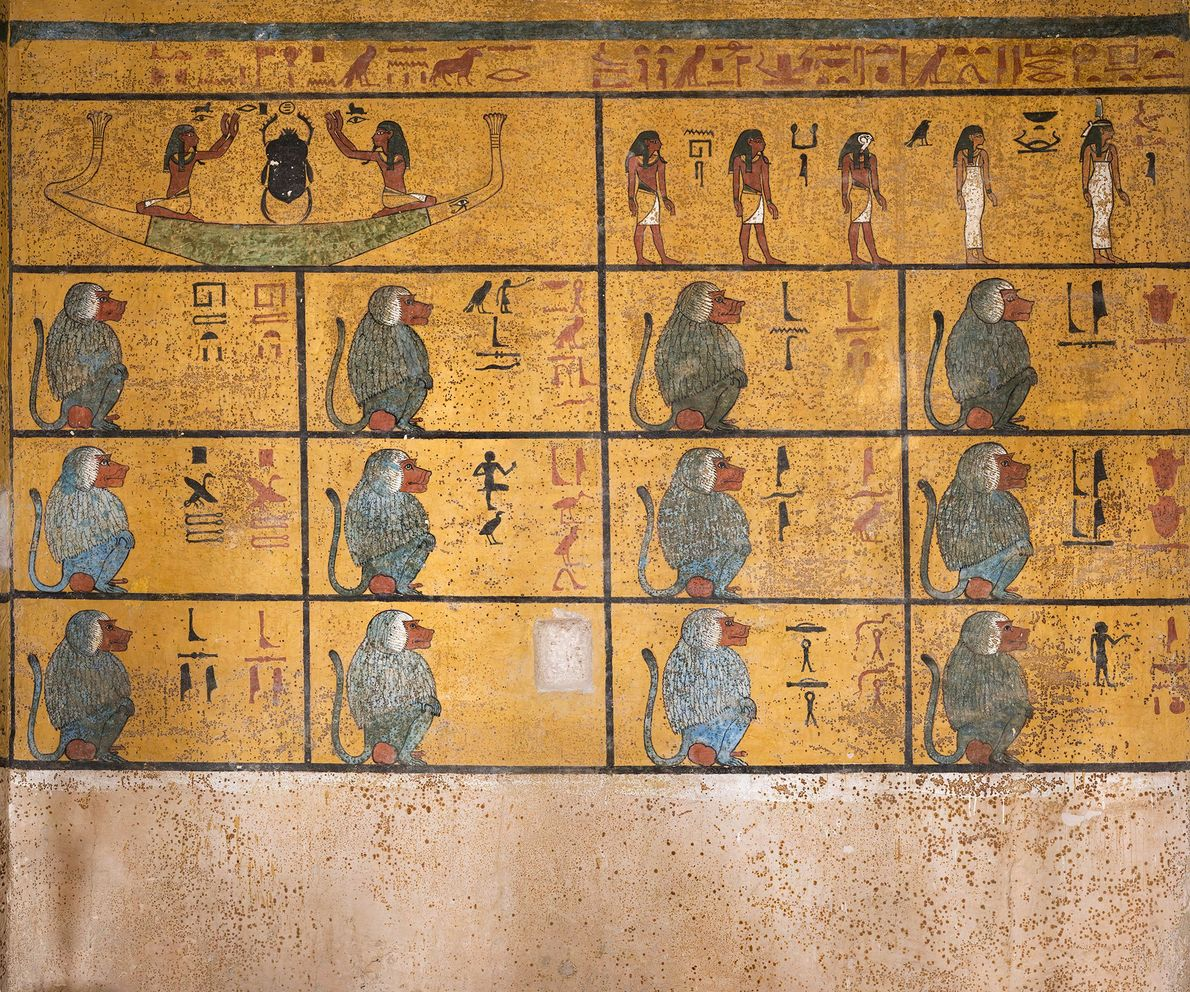 """La pared oeste de la cámara funeraria muestra un extracto del Libro de Amduat o """"Lo ..."""