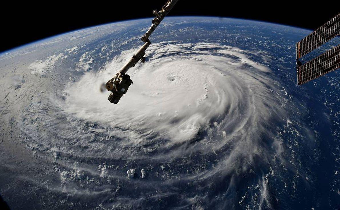 El astronauta Ricky Arnold captó el impresionante vórtice del huracán Florence desde la Estación Espacial Internacional ...