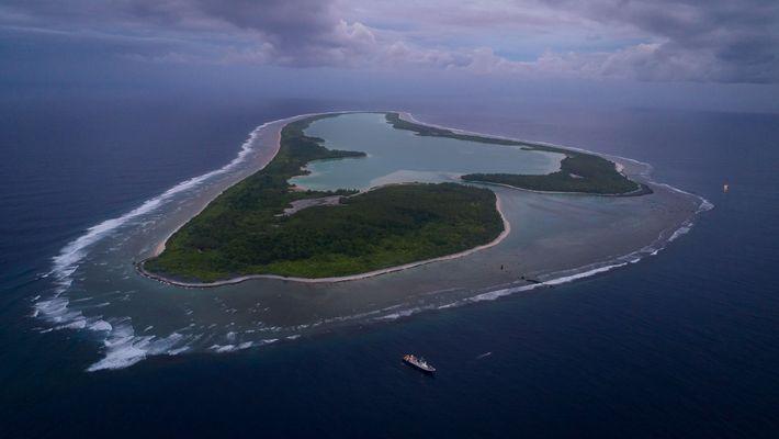 Vista aérea de la isla Nikumaroro.