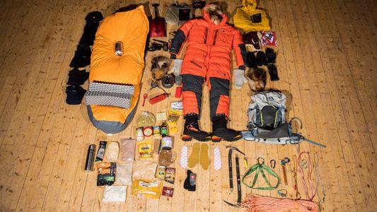 ¿Qué lleva un alpinista en su mochila?