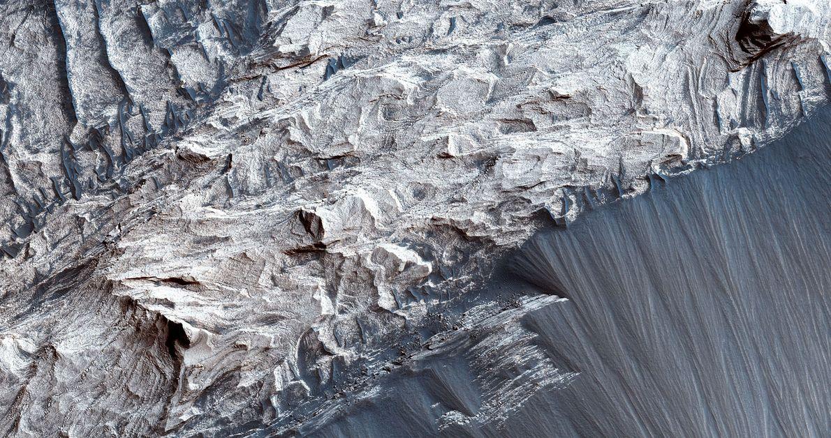 El Melas Chasma es el segmento más amplio de Valles Marineris, el cañón más grande del ...