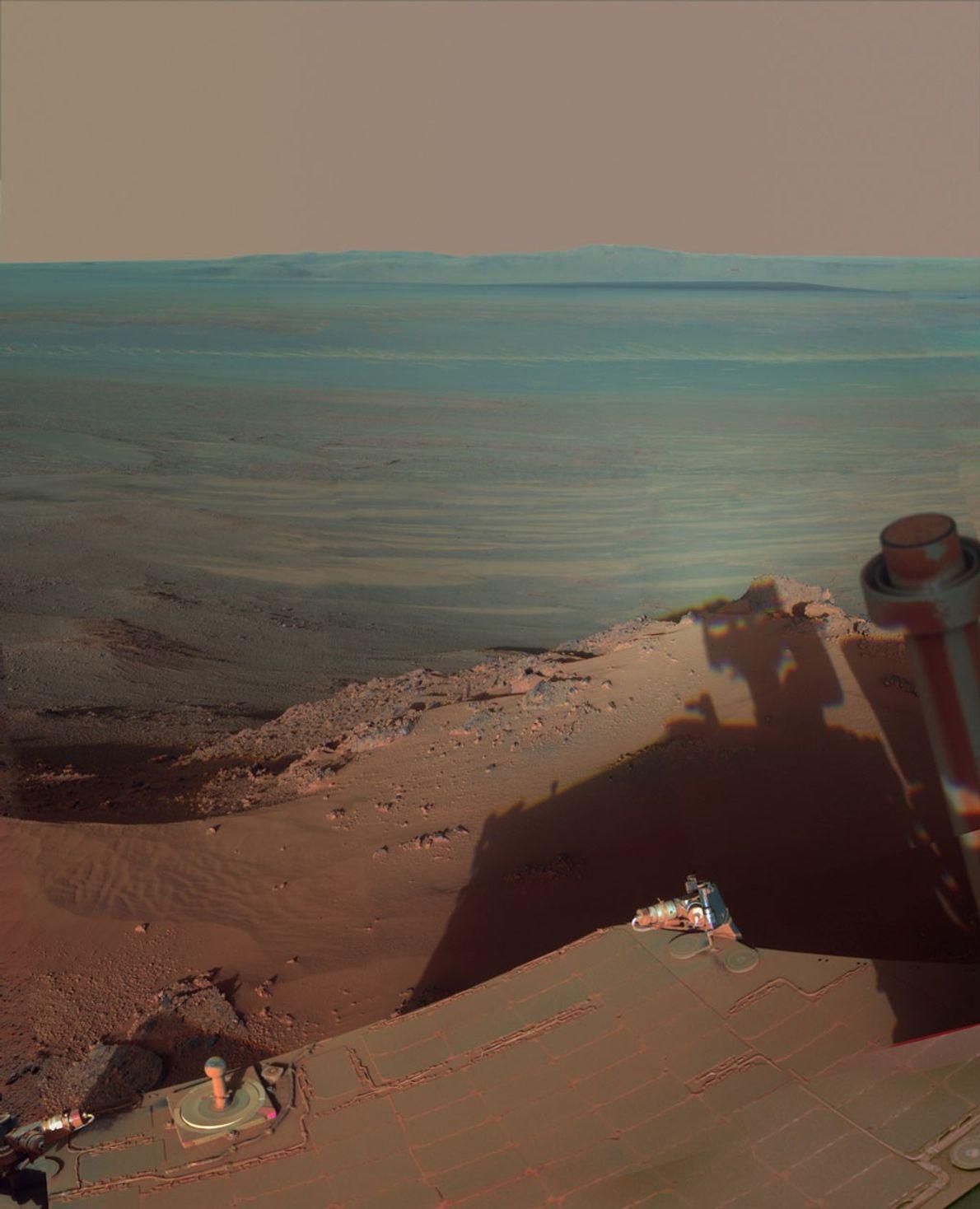 El rover Opportunity estuvo cuatro meses en la ladera norte del Greely Haven y tomó más ...