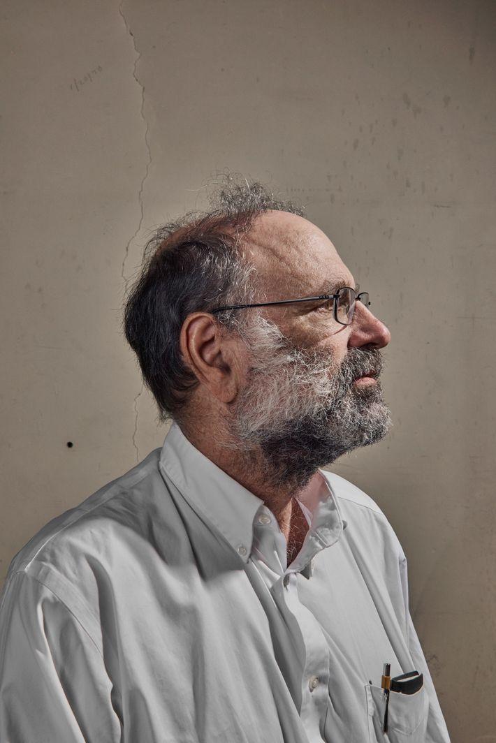 Leslie Rosenberg, científico principal del laboratorio y profesor de la Universidad de Washington