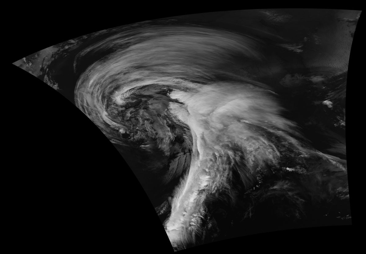Las tempestades no solo ocurren en los mares, como vemos en esta imagen del satélite Suomi ...