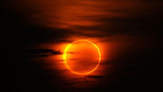 Fotografías del primer eclipse solar de la década 2010