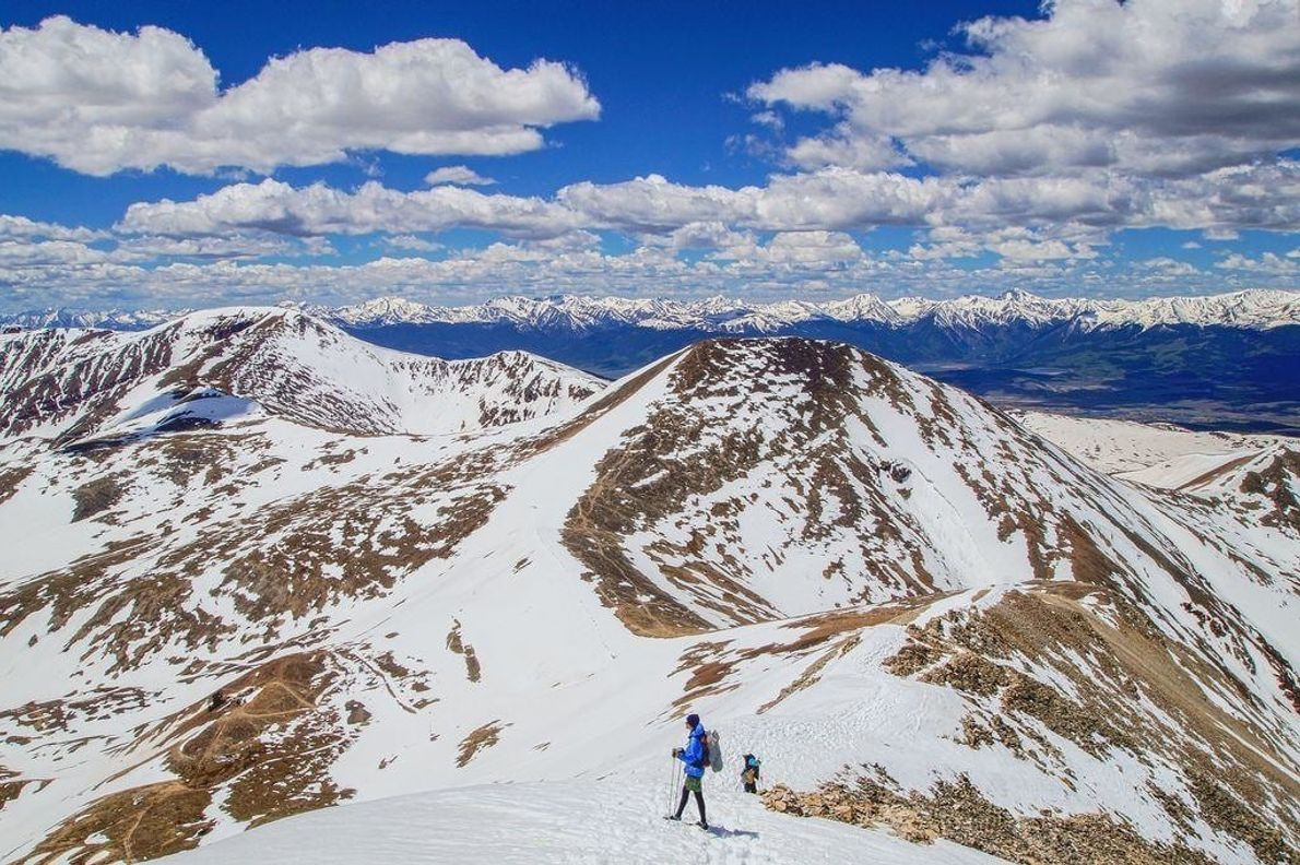 Alcanzar la cima del segundo de los 'catorcemiles' (picos de 14.000 pies) en un fin de ...